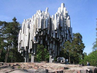 Финляндия. Хельсинки. Памятник композитору Сибелиусу.